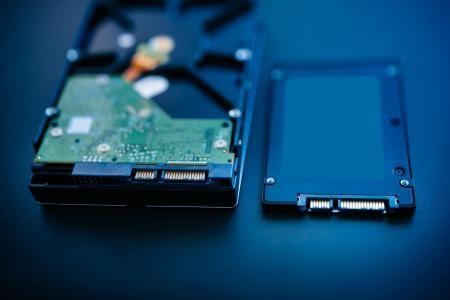 Perbedaan Antara HDD vs SSD